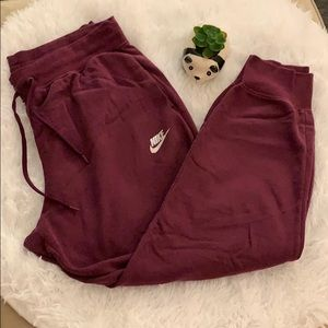 Nike Tapered Jogger Sweatpants